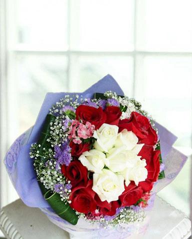 6枝白玫瑰/星�Z心愿-�花人�r花