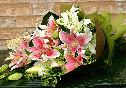 8枝香水百合/高贵人生-订花人鲜花