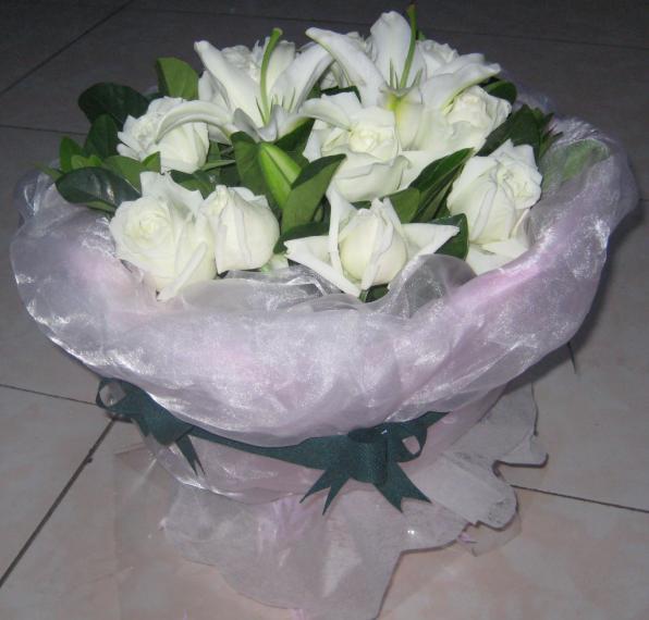 11枝白玫瑰/纯纯的心-订花人鲜花