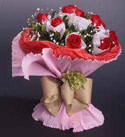 12枝红玫瑰/浓情蜜语