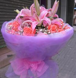11枝粉玫瑰/永远快乐