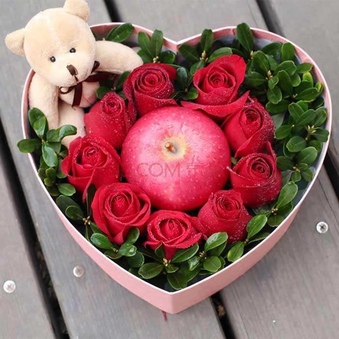 圣诞鲜花/9朵红玫瑰-订花人鲜花