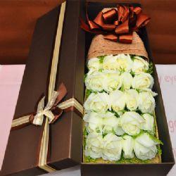 礼盒/19枝白玫瑰